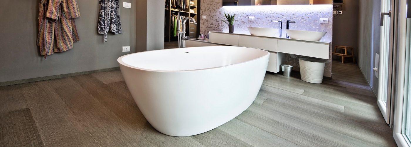 Possibile posare un pavimento in legno in bagno paral - Parquet nel bagno ...