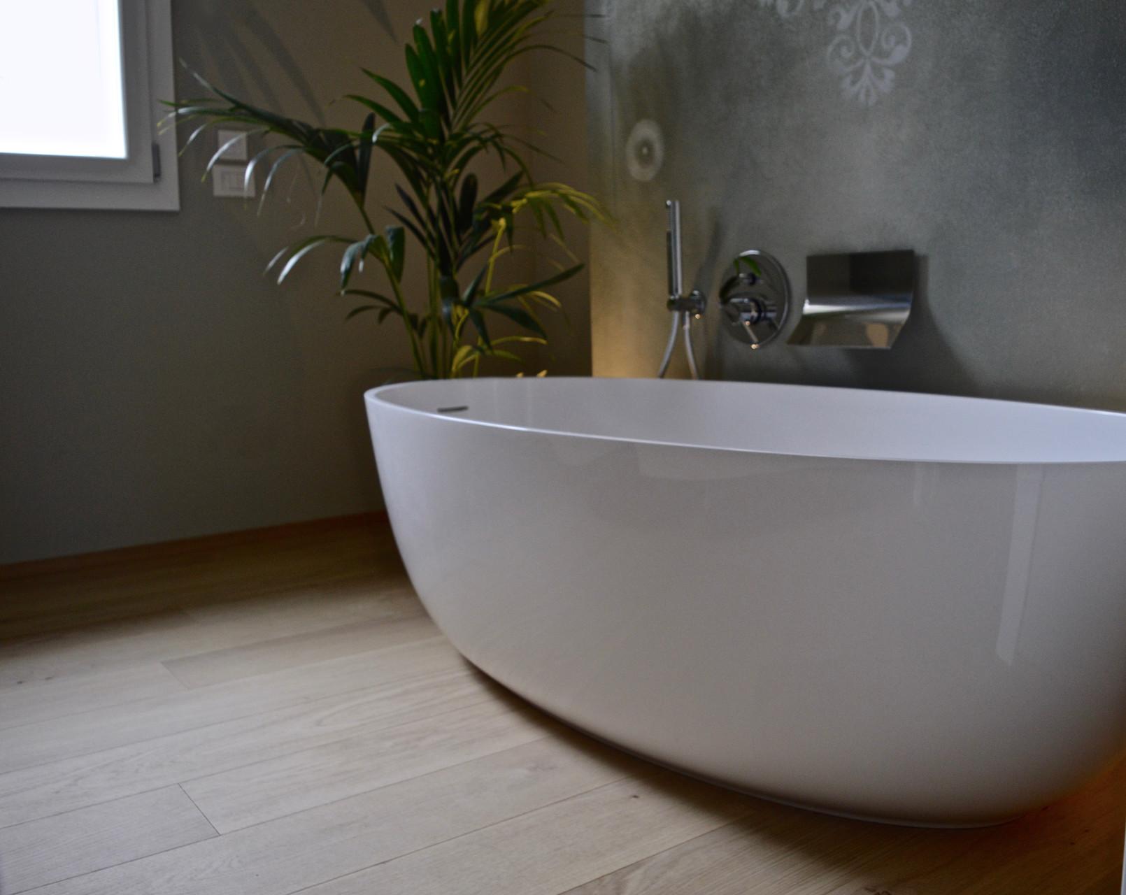 Pavimento in legno per bagno beautiful favoloso pavimenti in legno per bagno idea creativa - Pavimento in legno per bagno ...